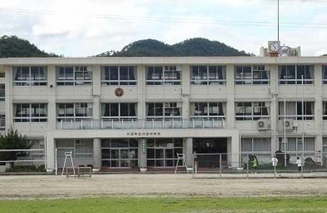 川辺中学校